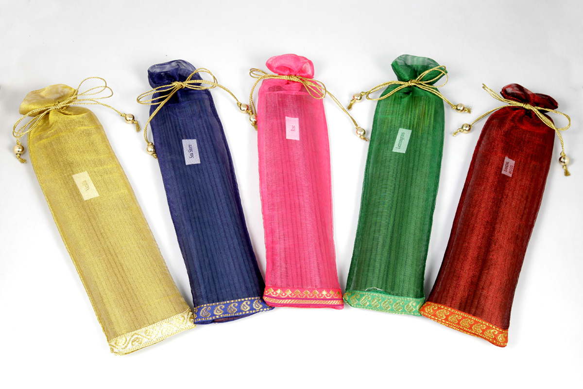 40 Incense Sticks in a Decorative Tissue Bag (A - 1028)